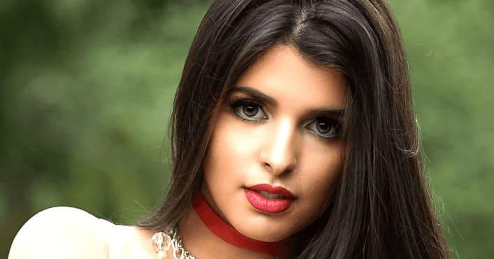 Молодая кавказская девушка
