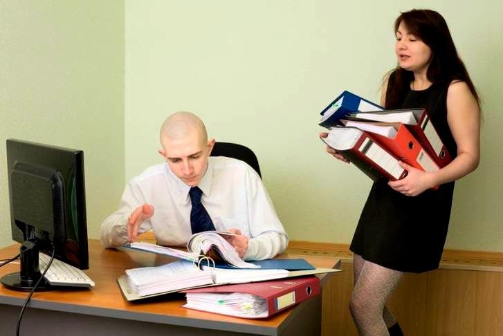 Как наш шеф нанял молоденькую главбухшу