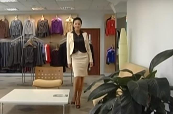 Модные фасоны деловых костюмов для зрелых дам