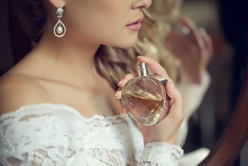 Ароматный гороскоп: какой выбрать запах каждому знаку Зодиака, чтобы притянуть к себе деньги, удачу и любовь