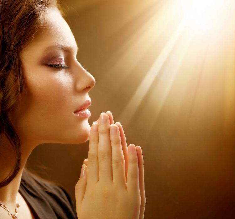 Молитва для тех, кто еще не замужем: просто прочитайте ее, и ваша любовь найдет вас