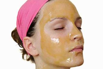 Мощный лифтинг-эффект, чёткий контур лица и омоложение! Рецепт маски с желтком