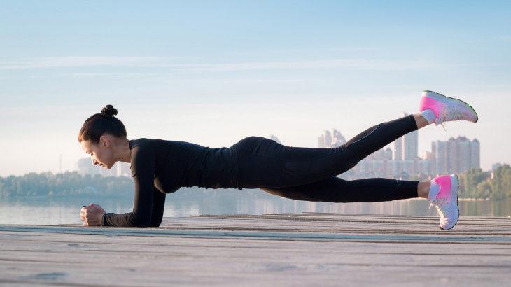 Делайте планку по этой инструкции — и через месяц у вас будет новое тело!