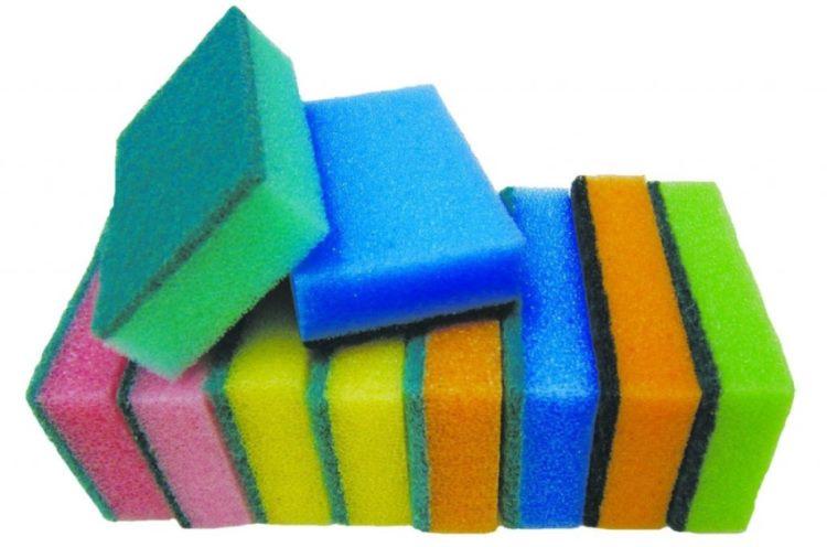 Почему губка для мытья посуды имеет разные цвета?