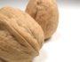 Подруга всегда носит в сумочке два грецких ореха. Когда я узнала причину, стала делать так же