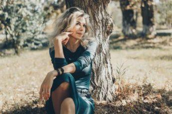 5 признаков потрясающей женщины, которой вслед оборачиваются мужчины