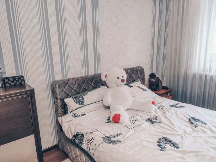 Девушка прислала маме фотографию новой кровати: но та заметила одну пикантую деталь на снимке и теперь дочь сгорает от стыда