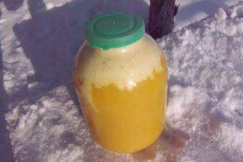 Что означает белая пена в банке мёда?