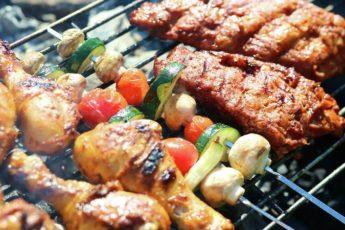 Ученые узнали, кто живет дольше — мясоеды или вегетарианцы