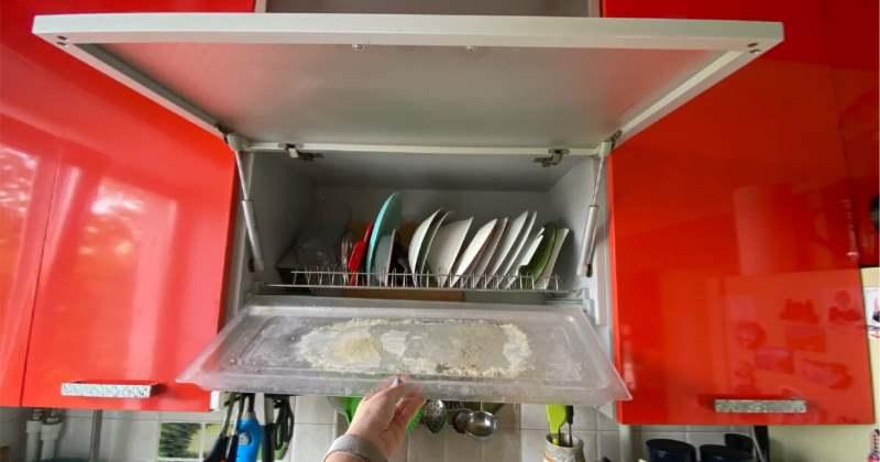 Рассказываю, как отмыть от известкового налета поддон для сушки посуды
