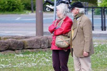 Соседи немцы-пенсионеры, врагу не пожелаю такого соседства