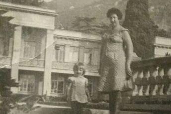 38 лет назад мама оставила Машу на городской свалке. Как сложилась судьба девочки и почему она хочет найти родную мать